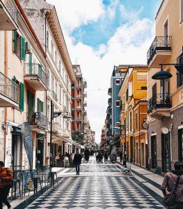Hyrbil & biluthyrning i Pescara