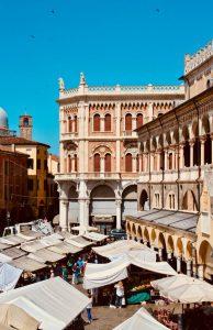 Hyrbil & biluthyrning i Padua
