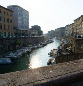 Hyrbil & biluthyrning i Livorno